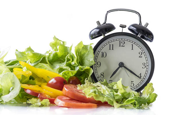 Tránh việc ăn uống quá muộn