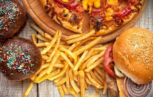 Thói quen ăn uống thiếu khoa học khiến giảm sút sức khỏe